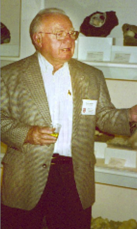 Wayne Burnham at the 1999 Goldschmidt Conference, Cambridge Massachusetts.