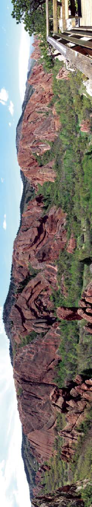 View of the Fountain Formation hogbacks, and Fountain Valley, from Lyons Overlook. Photo: Footwarrior. Wikipedia Commons.